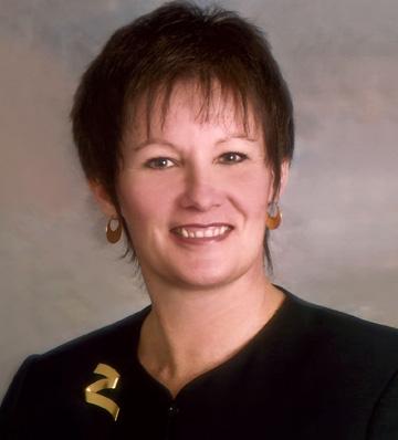 Gail Garceau Headshot